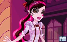 Serie de monster high - Vestir a Draculaura