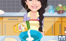 Selena Gomez Cocina unas galletitas